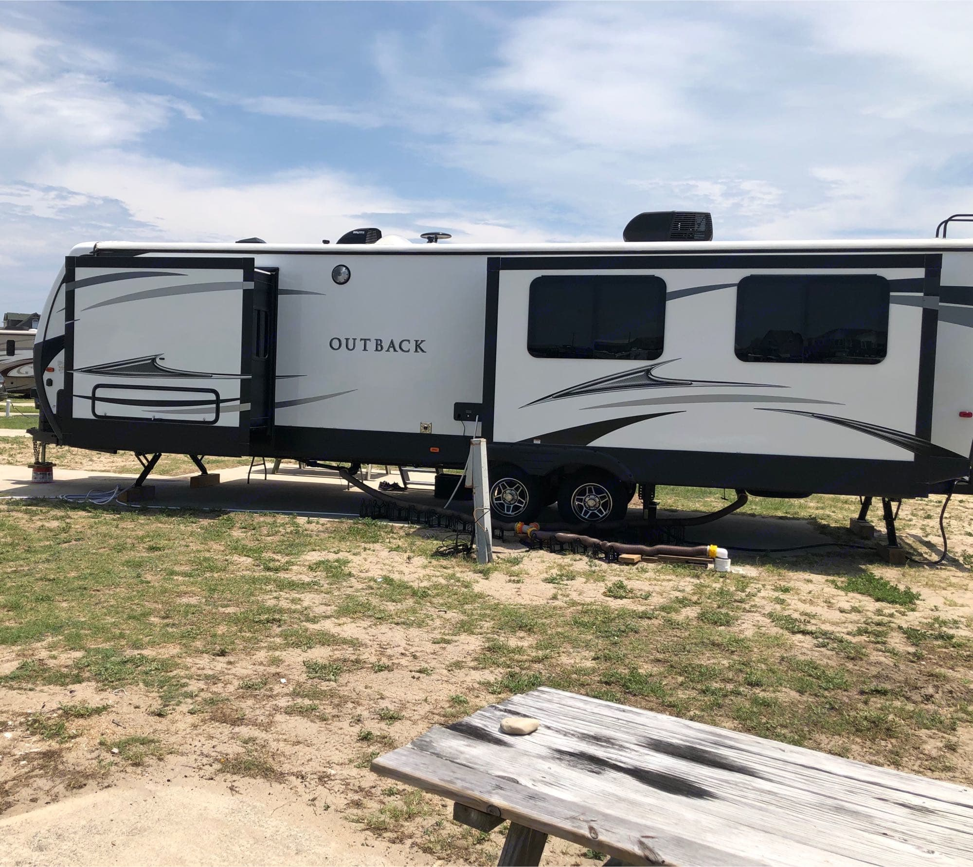 Exterior driver side. Keystone Outback 2018