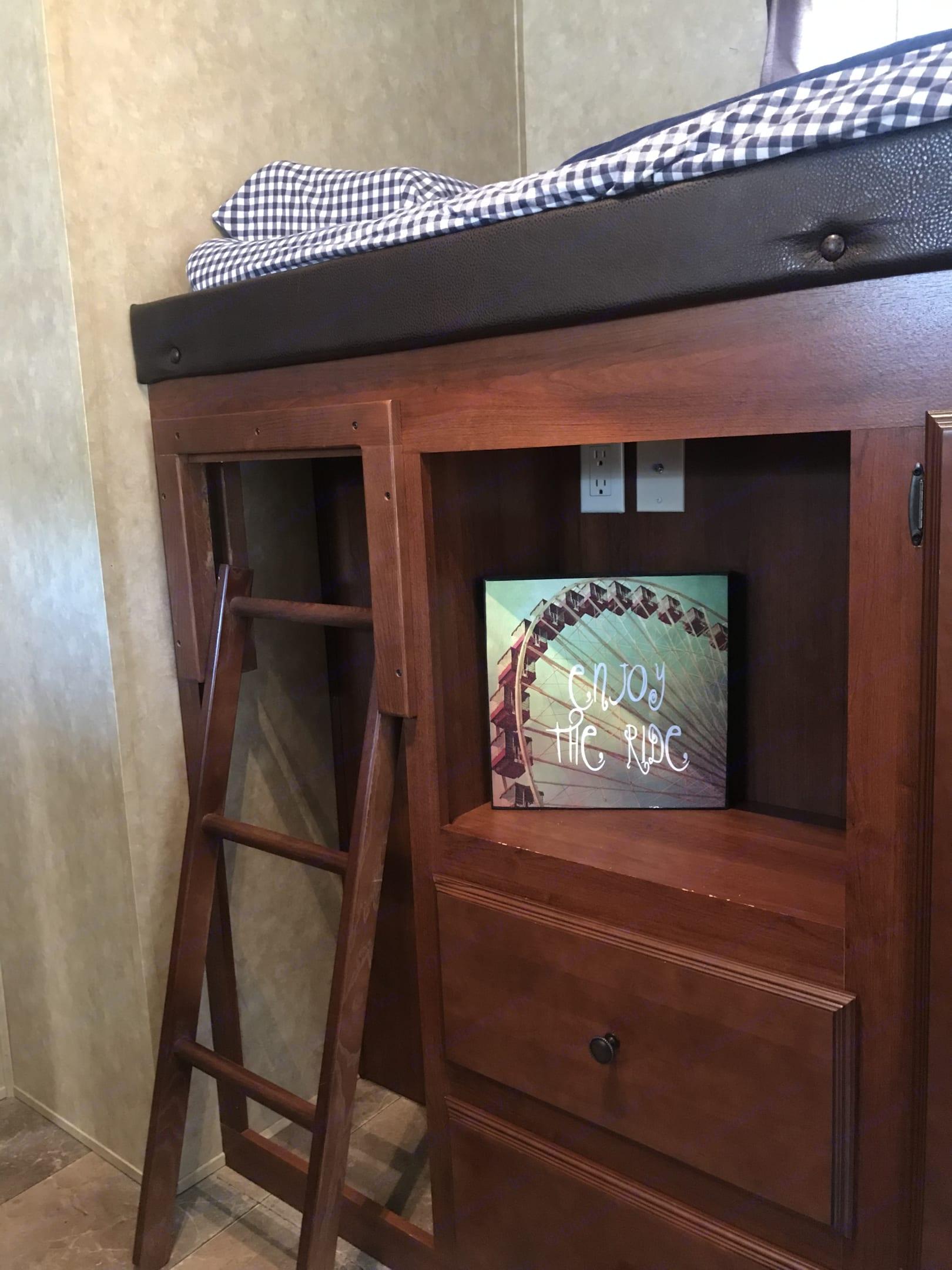 Bunk Room. Forest River Salem Hemisphere 2012
