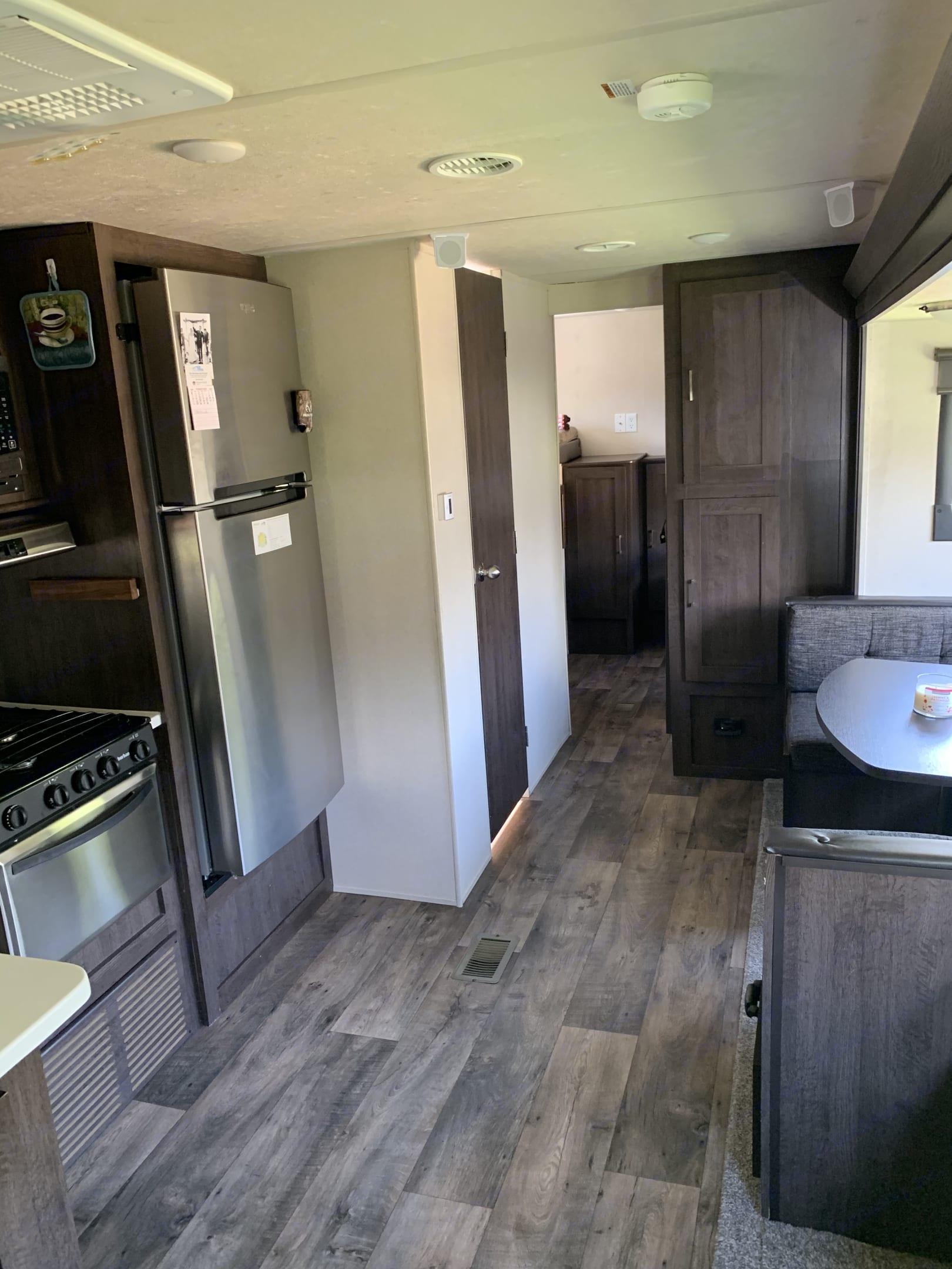 Kitchenette . Forest River Salem 2018