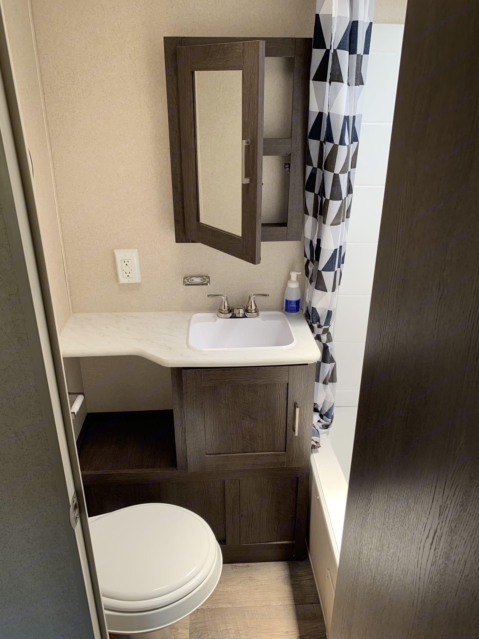Bathroom . Forest River Salem 2018