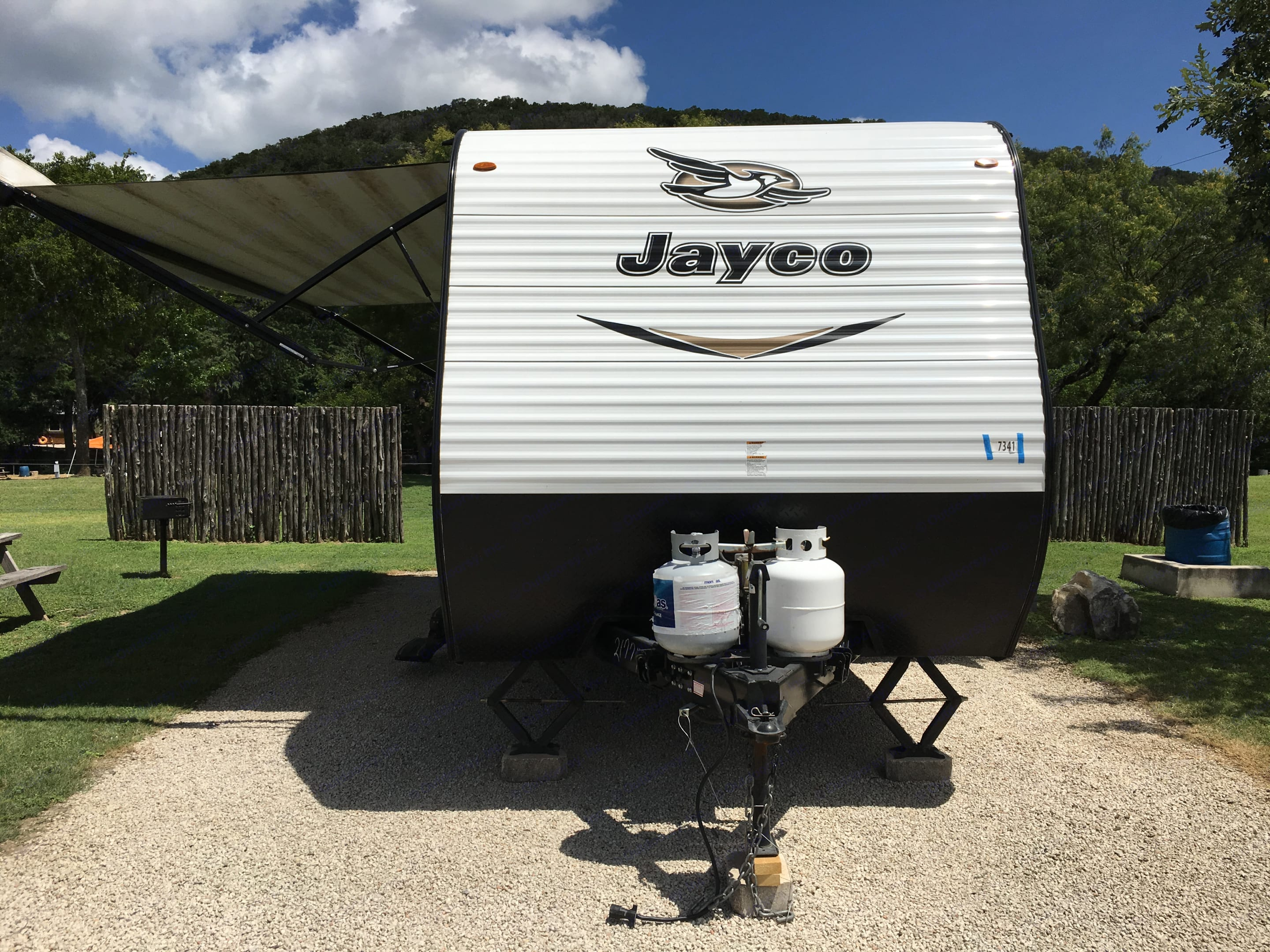 Awning with LED lights and outdoor speakers. Stereo inside has AM/FM and bluetooth connection to inside and outside speakers.. Jayco Jay Flight 2018