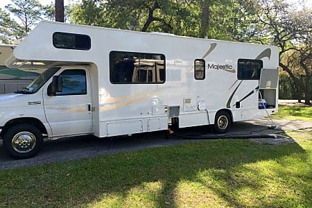 Thor Motor Coach Four Winds Majestic 2009