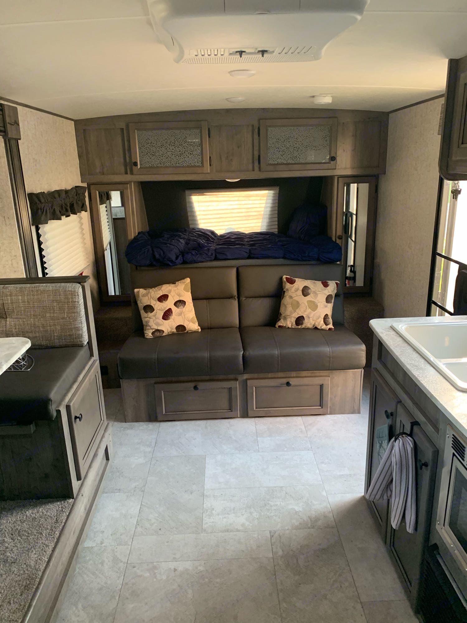 Couch. Coachmen Apex 2020