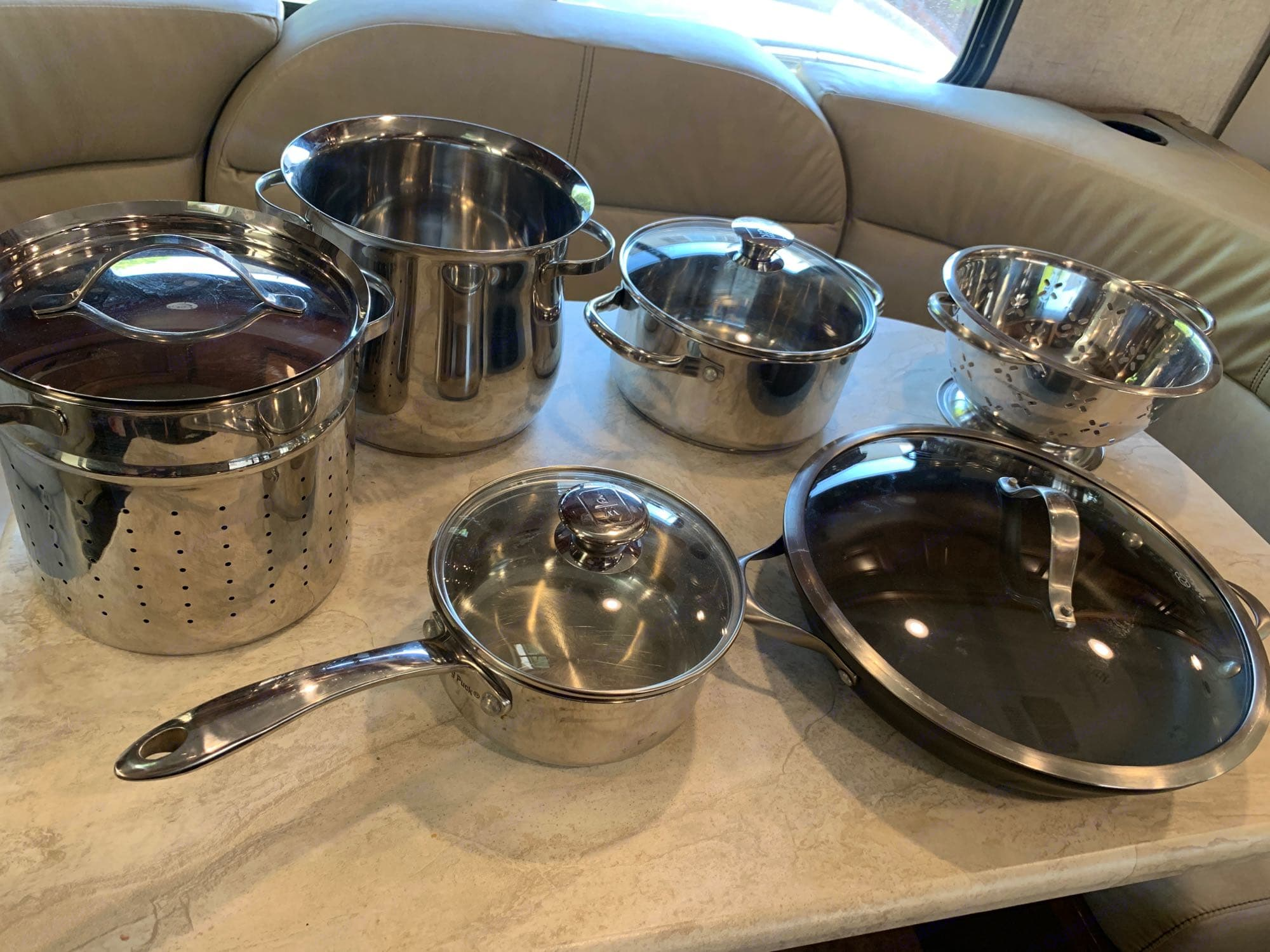 pots, pans, strainer included with rental. Forest River Forester 2017