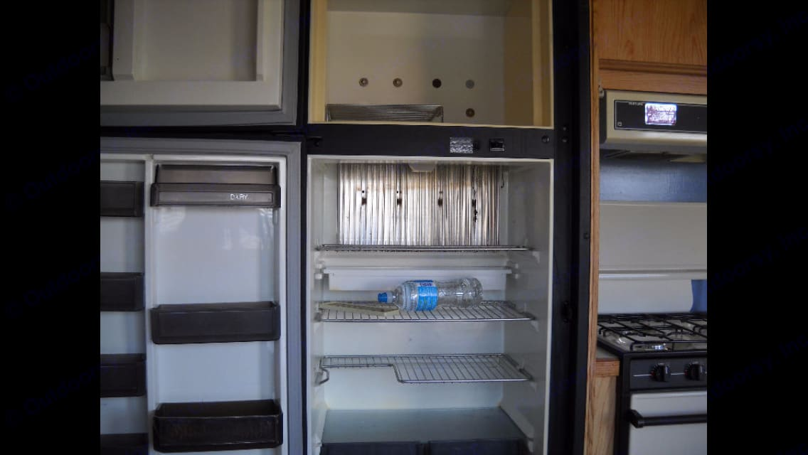 Fridge and freezer. westwind bunk 1990