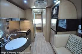 Airstream Flying Cloud 2015