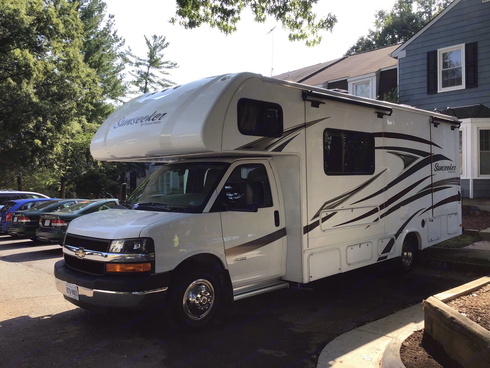 Driver side with slide-outs retracted.. Forest River Sunseeker 2500TSC 2016