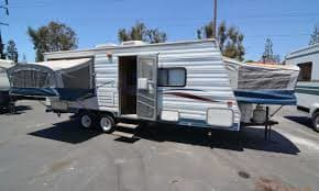 You can see the Main pop up and the front side pop up.. Thor Motor Coach Tahoe 2003