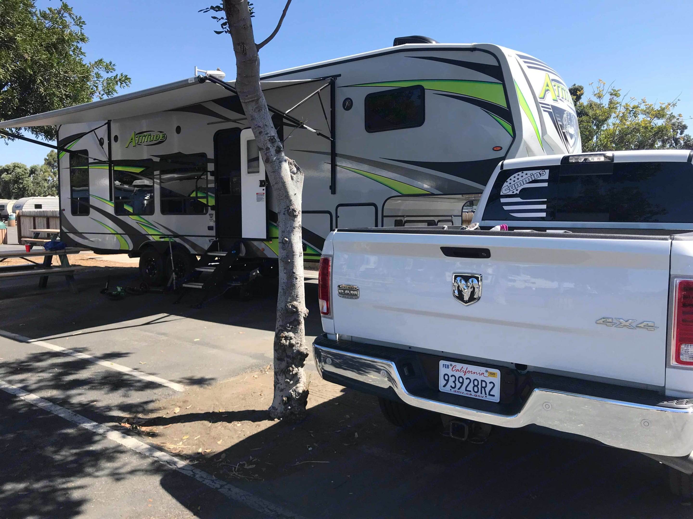 Camping in San Diego (Mission Bay). Eclipse Recreational Vehicles Attitude 2020
