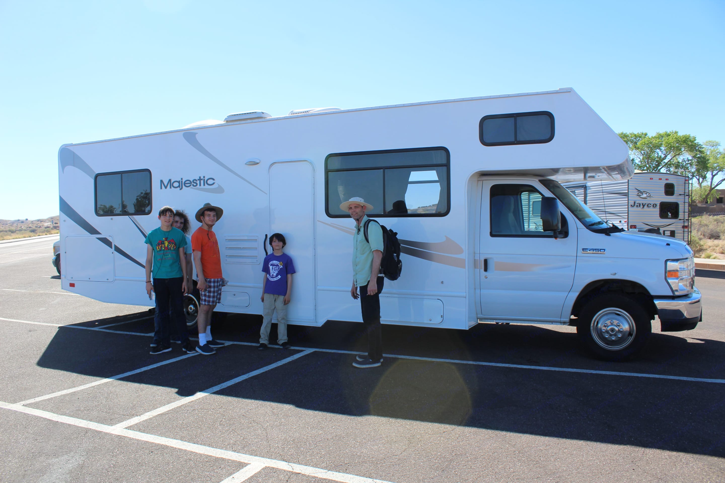 Family Vacation!. Thor Motor Coach Four Winds Majestic 2014