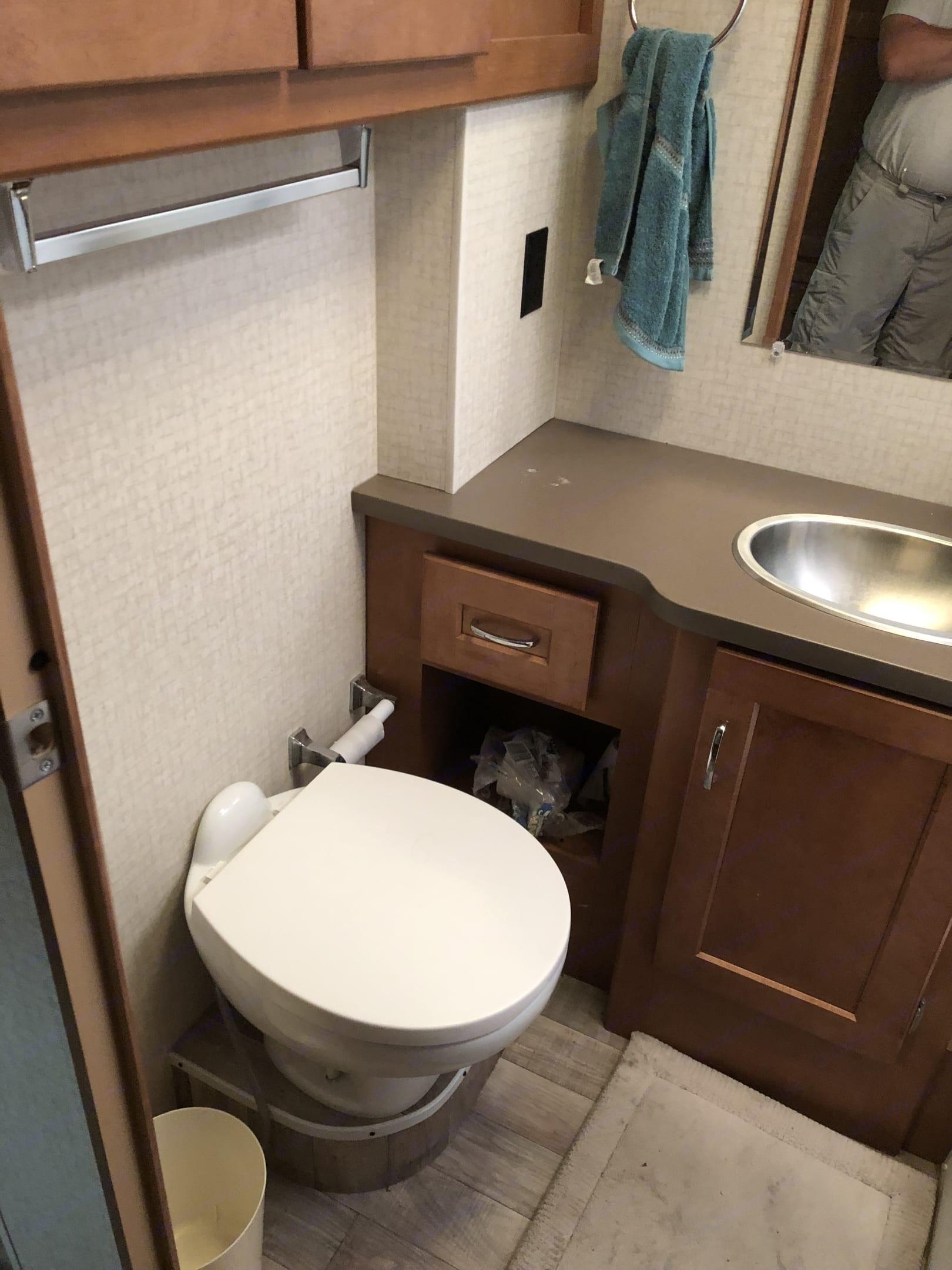 Bath Room. Winnebago Minnie Winnie 2018