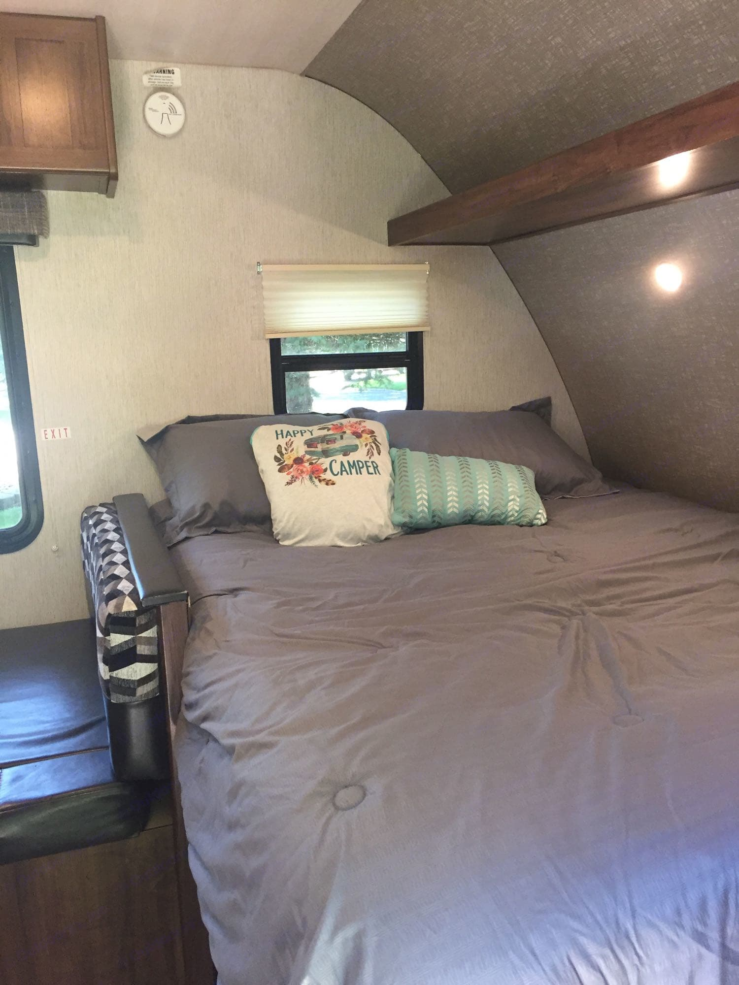 Queen bed. Heartland Mallard Bunkhouse M-185 2018
