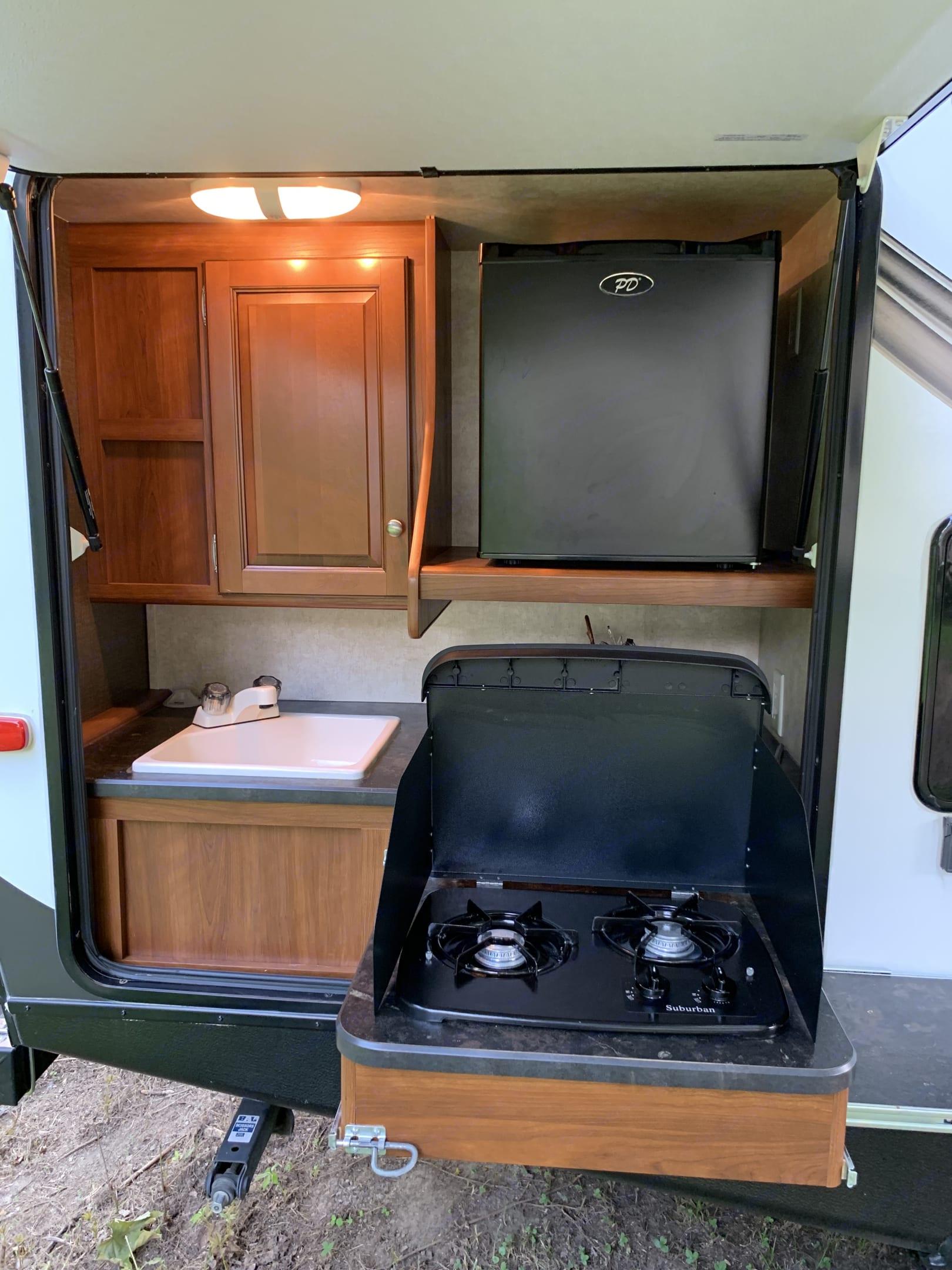 Outdoor kitchen. Keystone Bullet Premier 2014