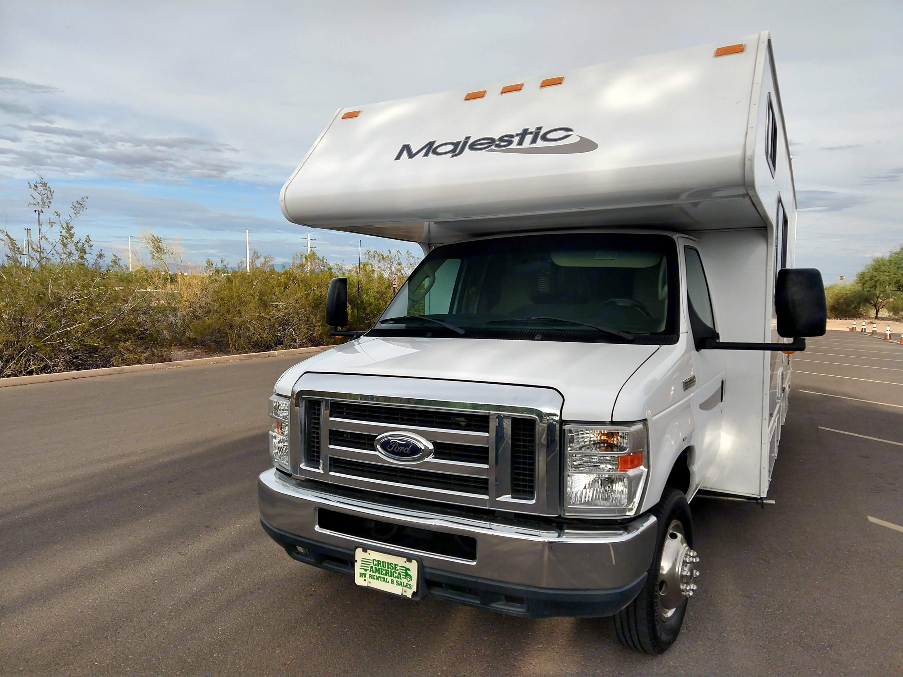 Front of the RV View. Thor Motor Coach Four Winds Majestic 2012