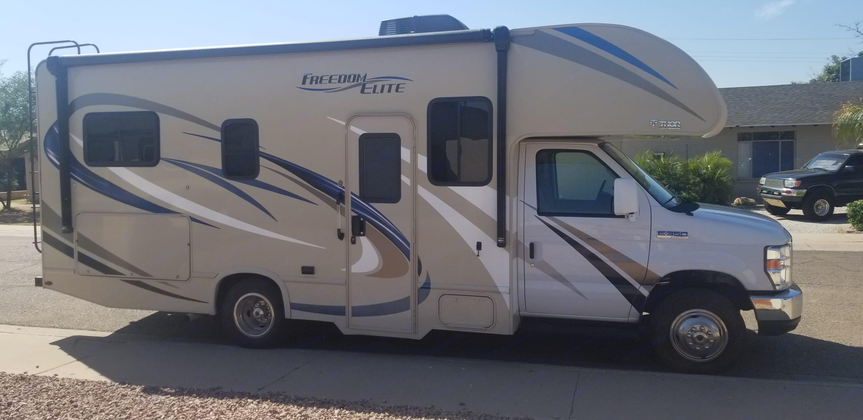 Side View. Thor Motor Coach Freedom Elite 2018