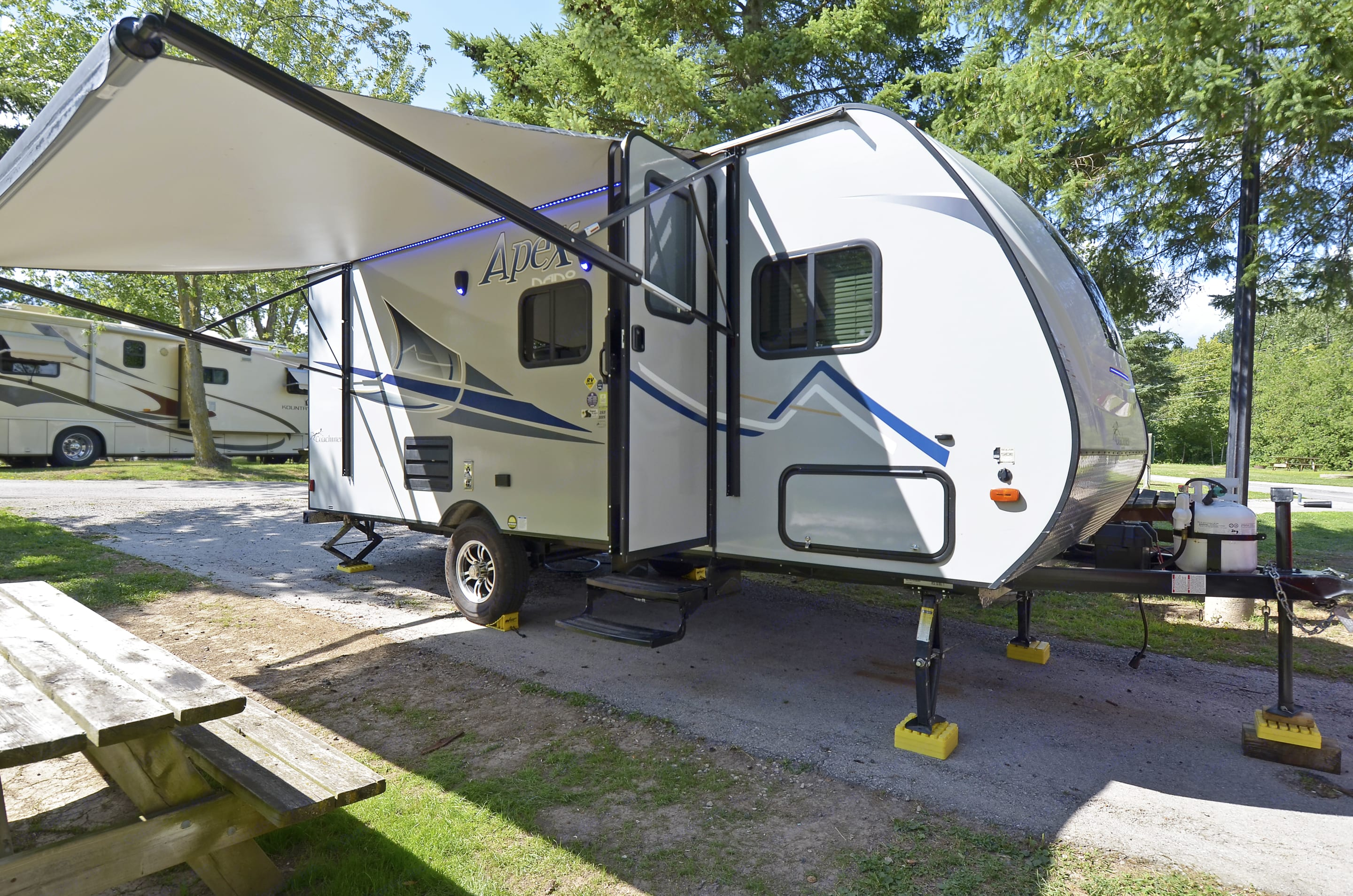 Awning and entrance. Coachmen Apex 2018