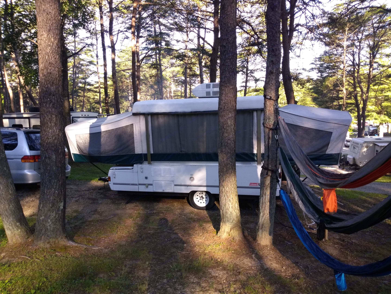 Camping in Hocking Hills, Ohio. Coleman Grand Tour Cheyenne 2000