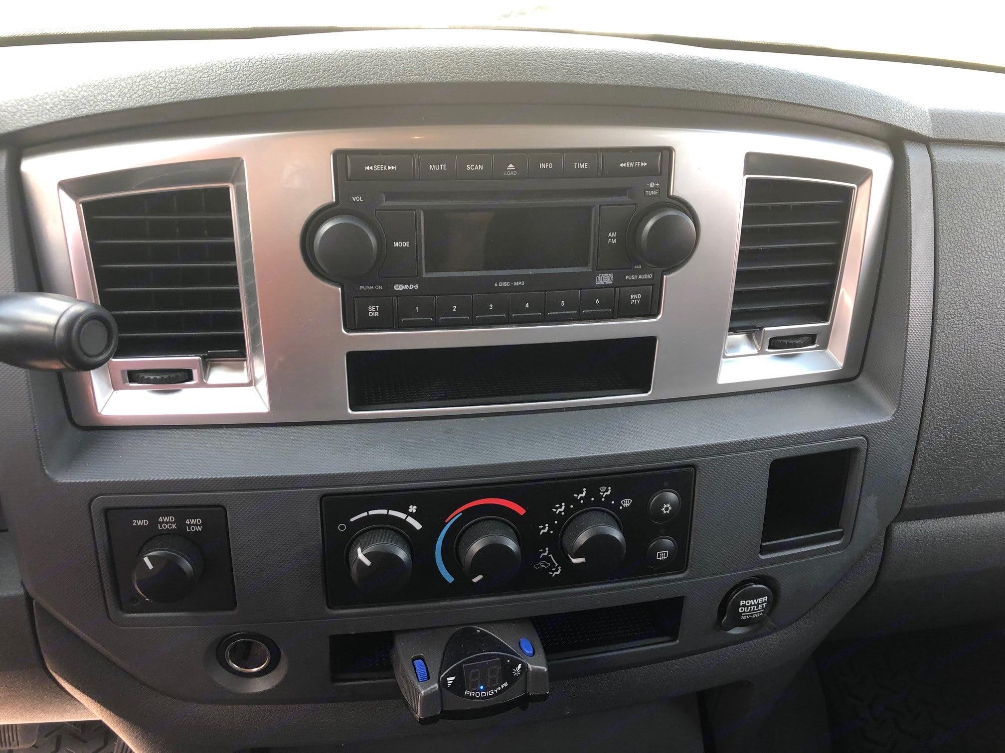 Radio and controls. Dodge 1500 2007