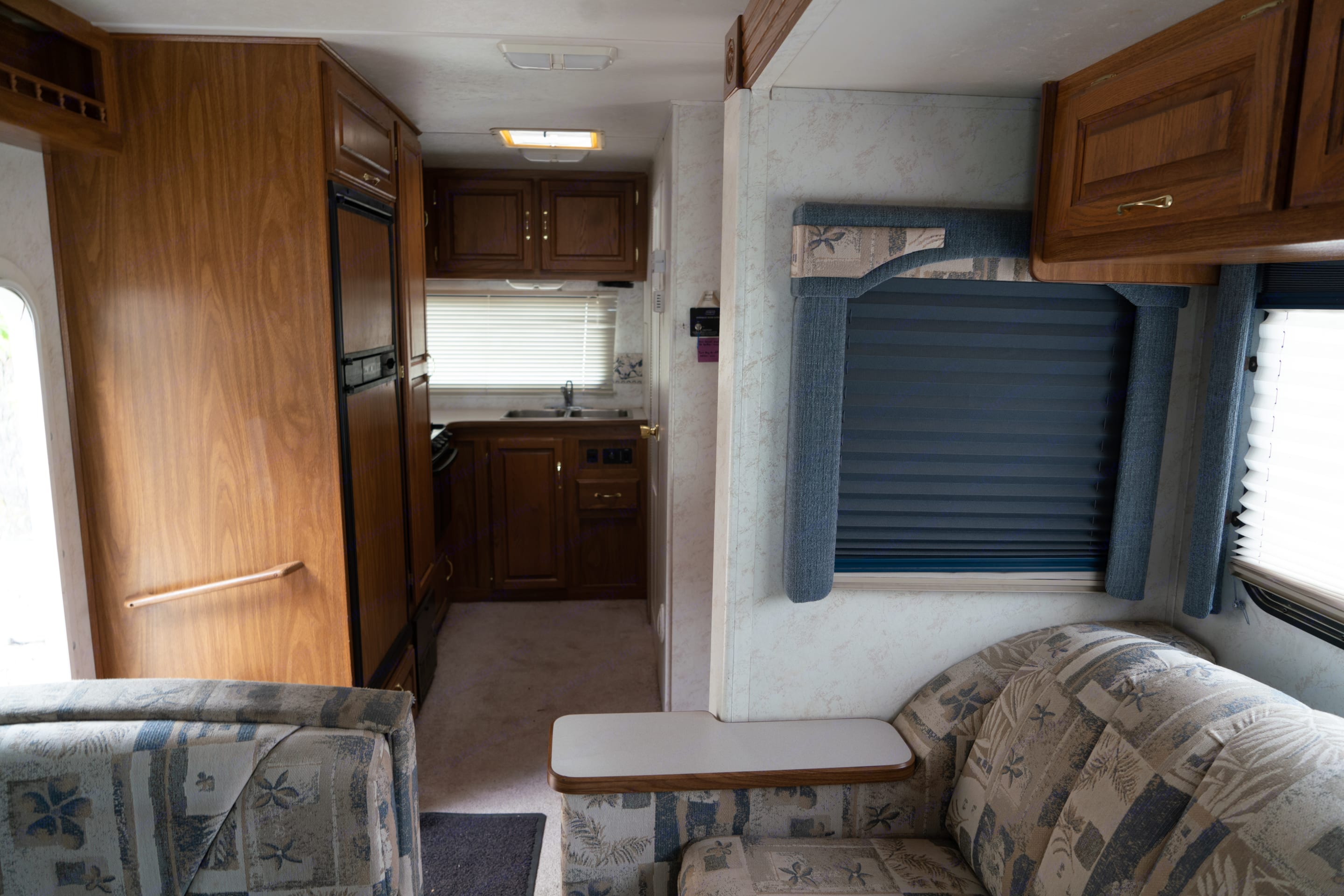 Living quarters with slide in. Thor Motor Coach Chateau 2002