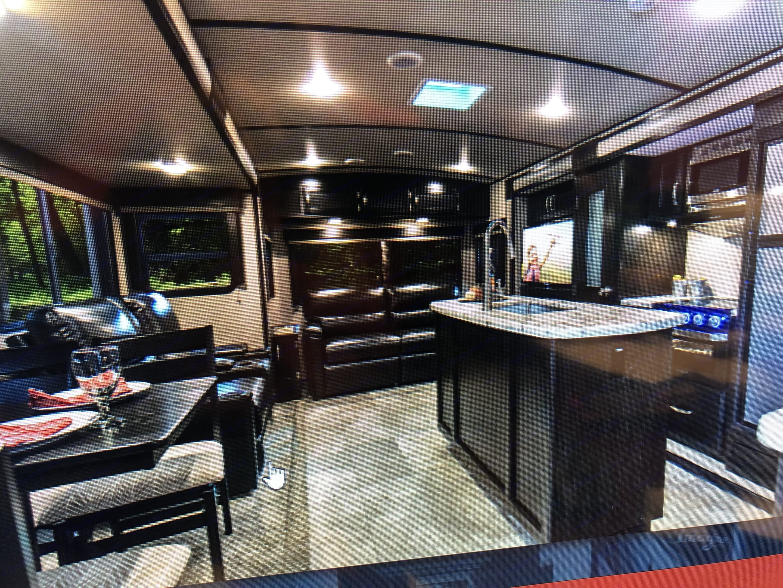 Kitchen and living room. Grand Design Imagine 2018