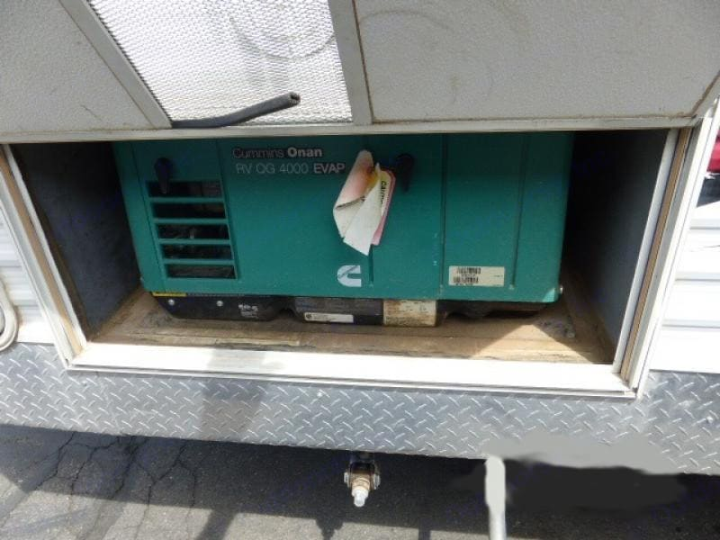 Included generator keeps the family charged while they are out having fun.. Keystone Energy 2009