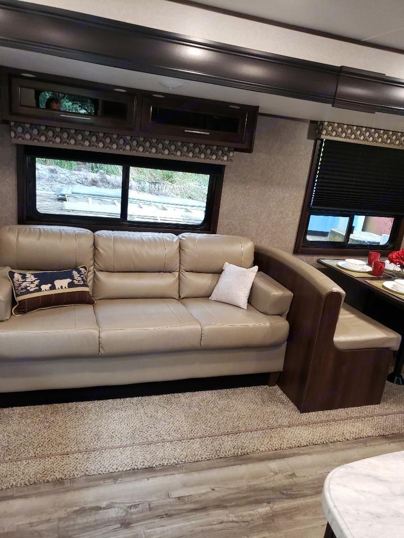 Sofa bed. Jayco Flight 2019