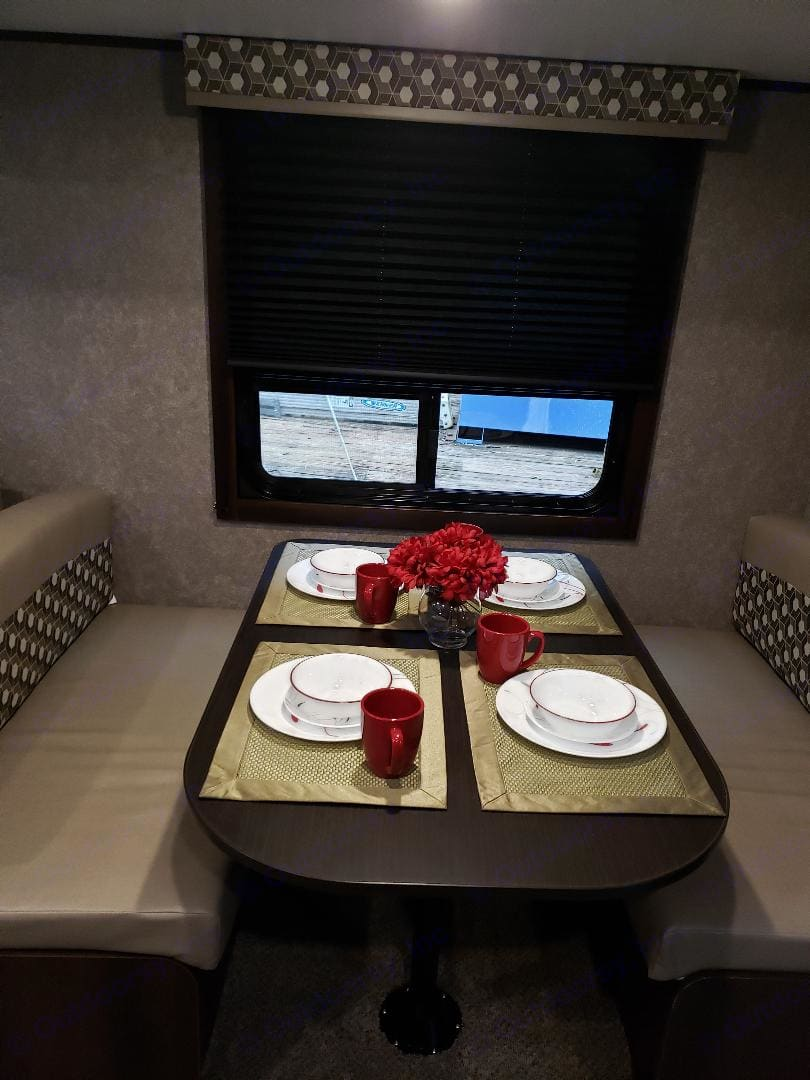 Dining area. Jayco Flight 2019