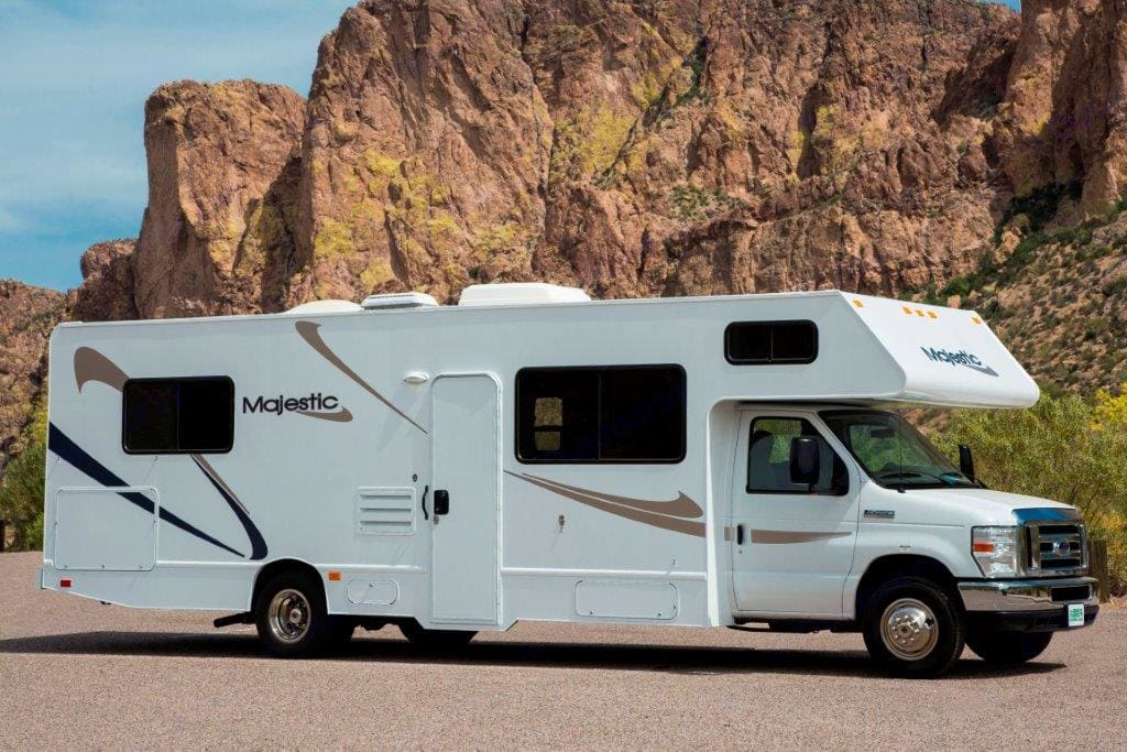 Exterior of RV.. more images to come :) . Thor Motor Coach Four Winds Majestic 2013