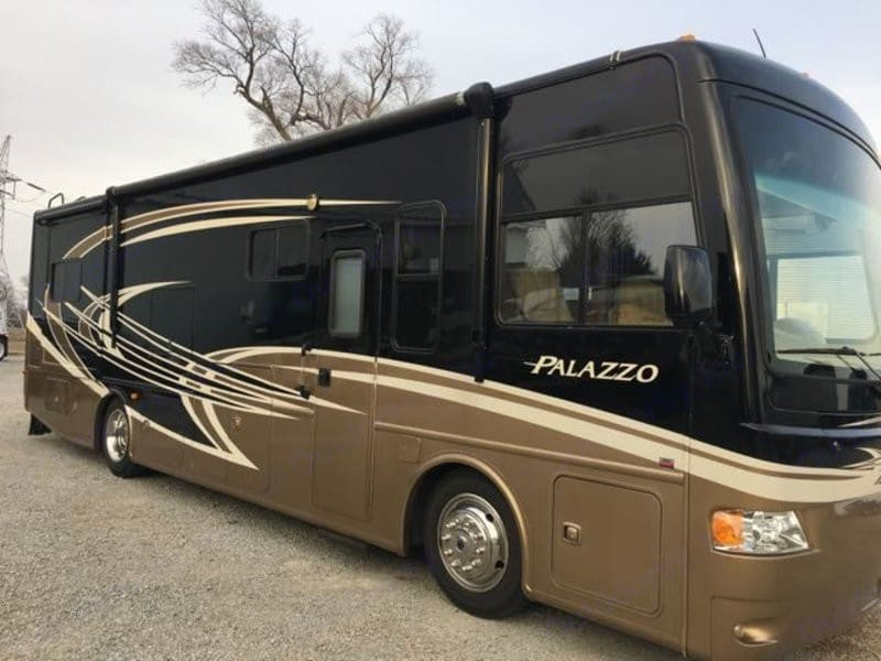 Thor Motor Coach Palazzo 2013