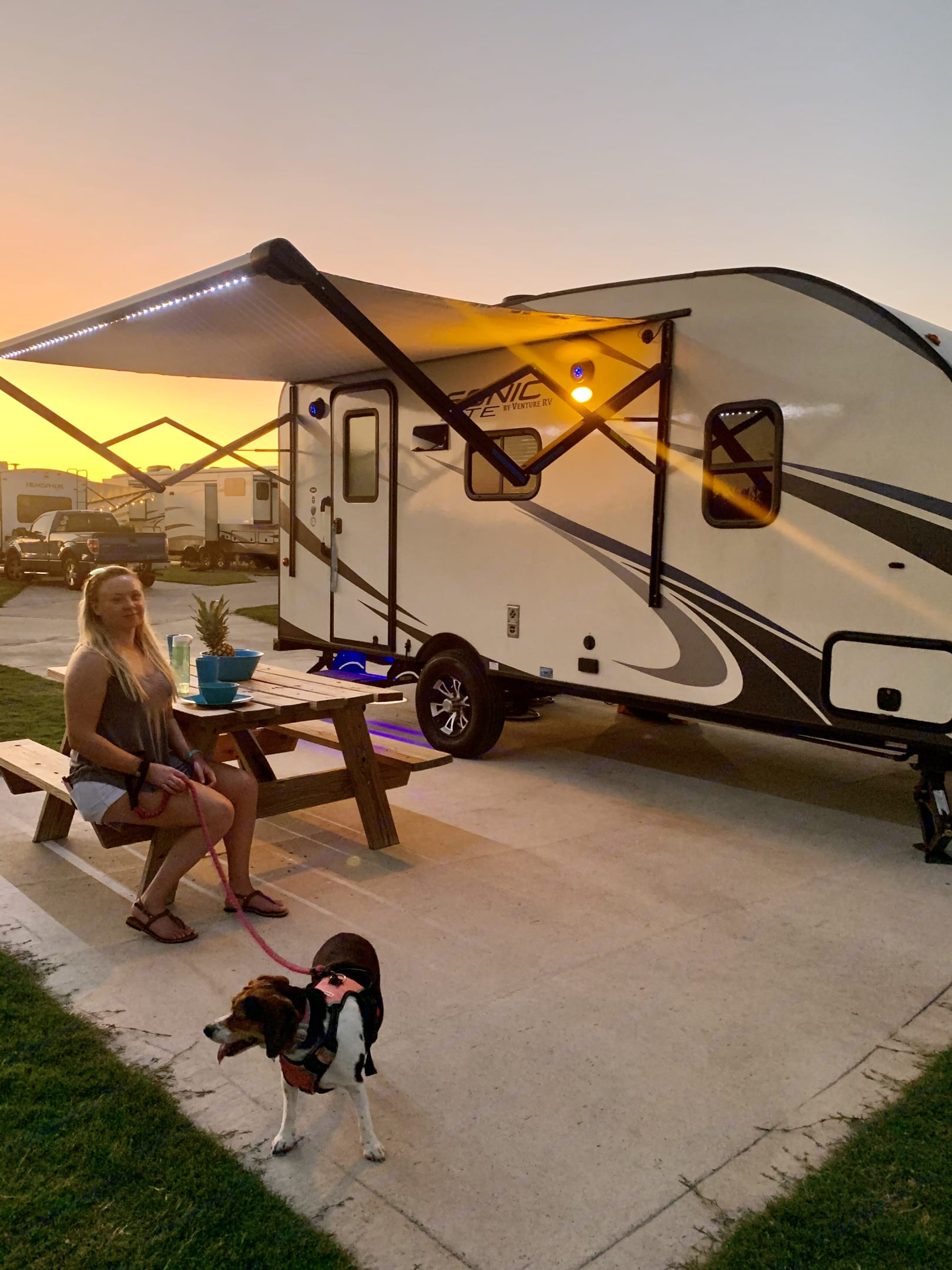 Automatic Awning Keeps it cool on sunny days. Venture Rv Sonic Lite 2017