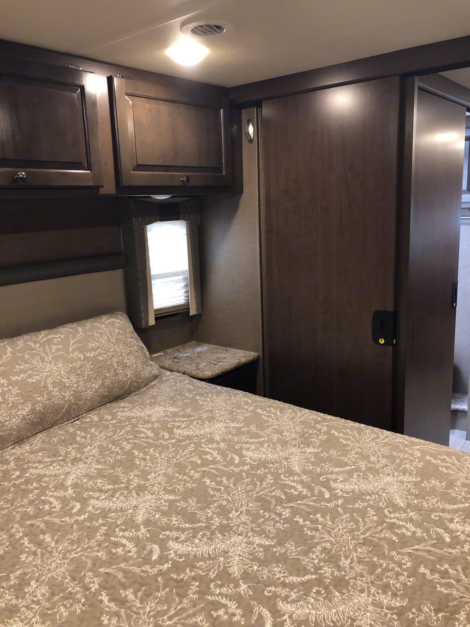 Master bedroom, king size bed. Thor Motor Coach Windsport 2019