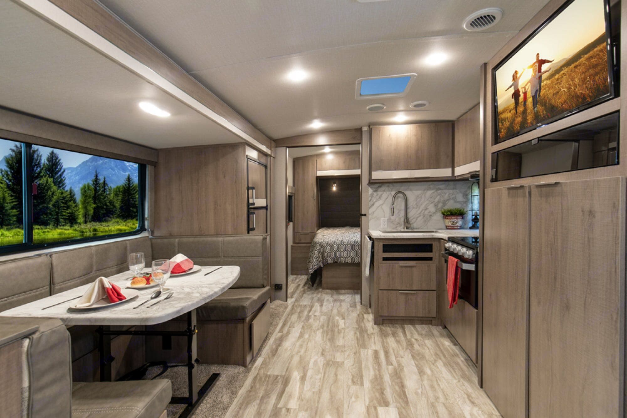 Grand Design 2400BH 2020