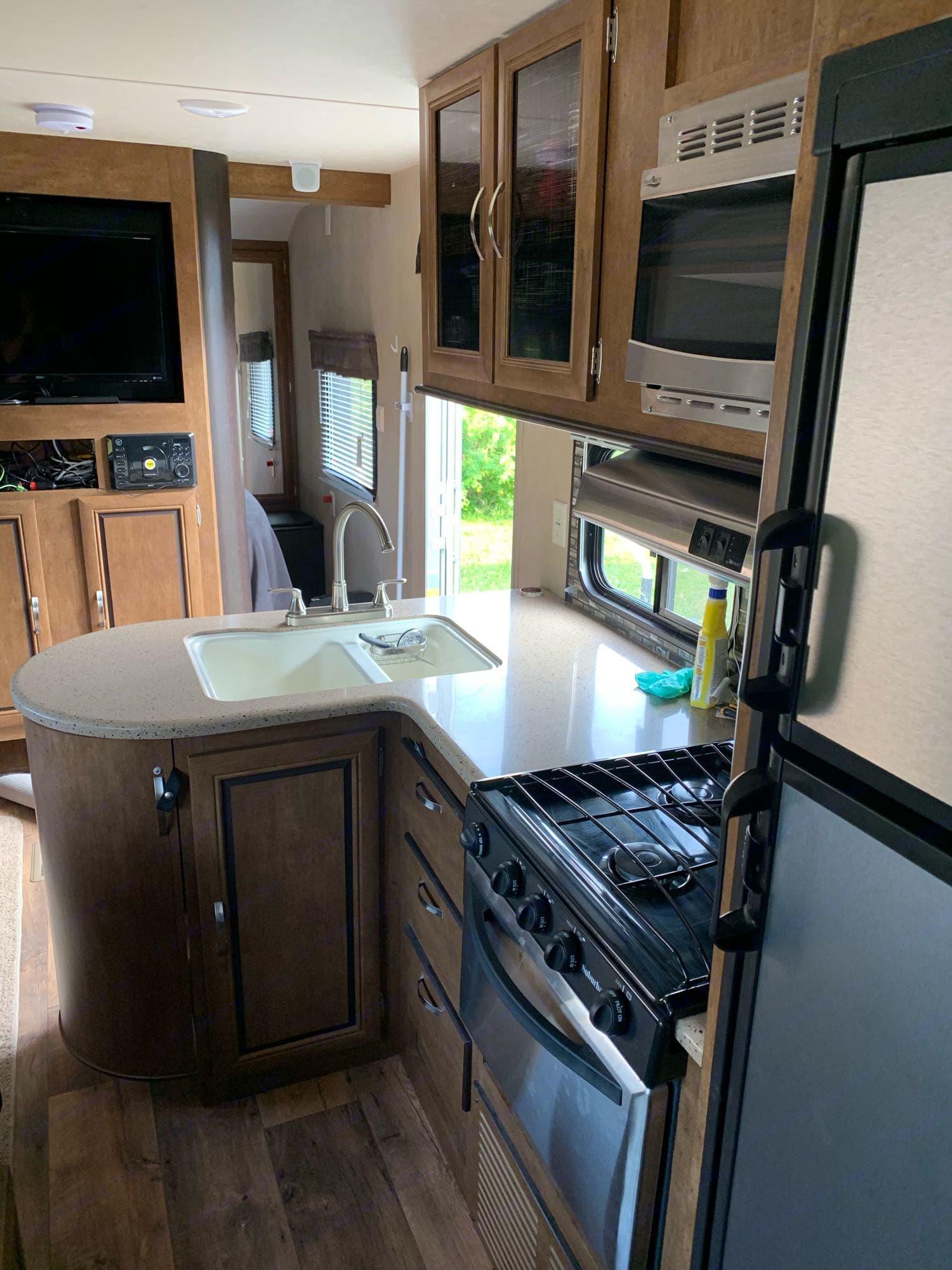 kitchen. Forest River Wildwood 2017