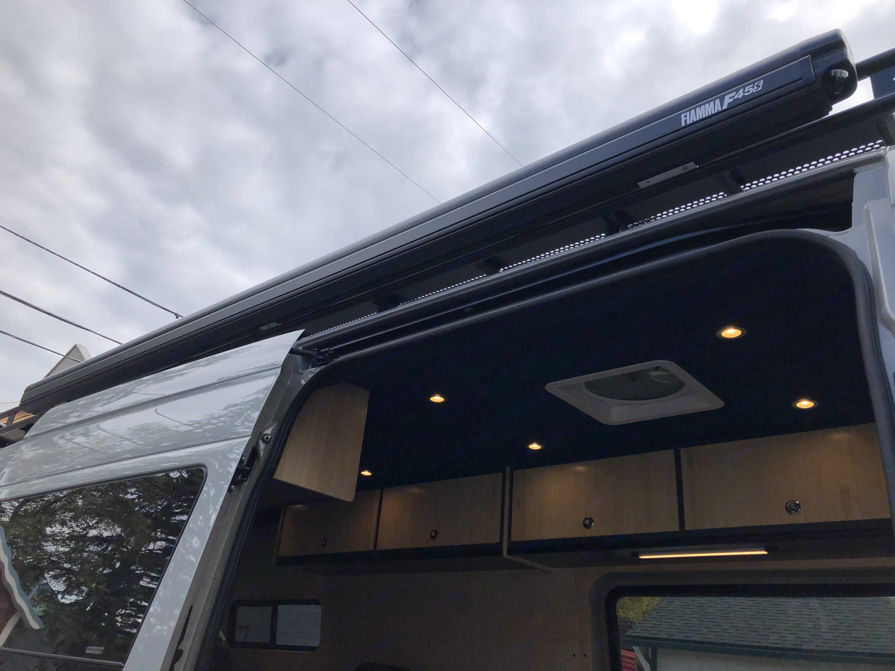 Awning for sun and rain protection. . Mercedes-Benz Other 2018