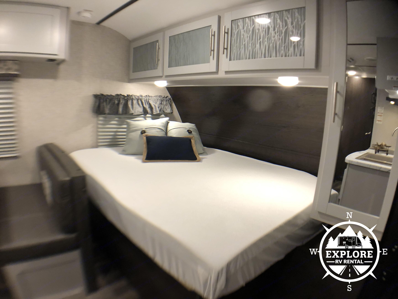 Comfy Queen Size Bed!. Keystone Bullet 2019