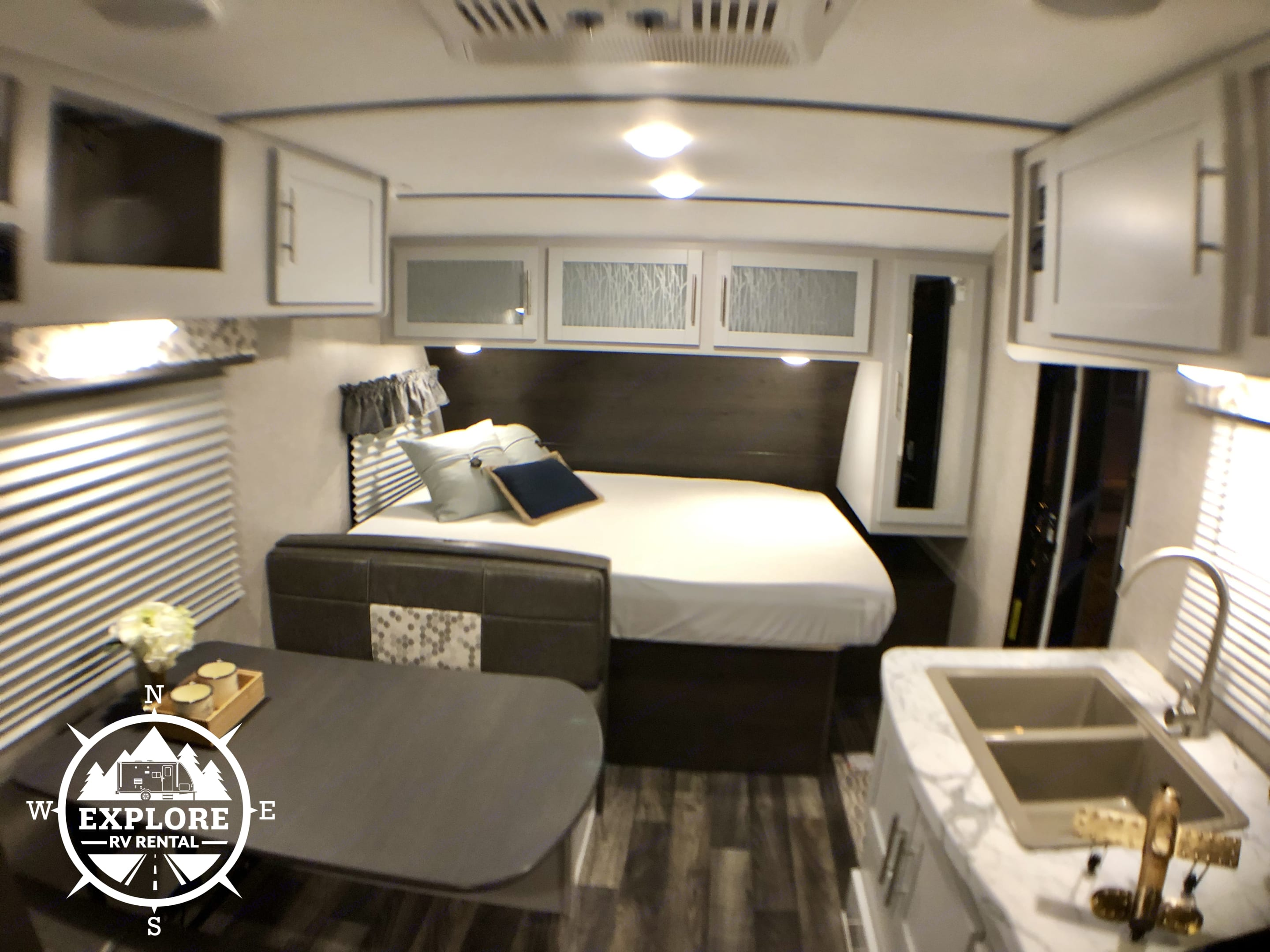 Spacious Queen Bed with plenty of storage!. Keystone Bullet 2019