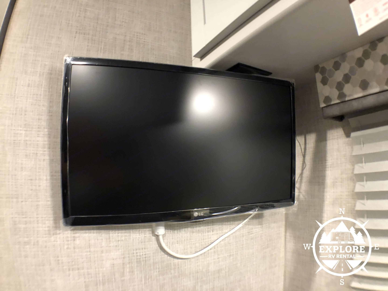 Smart 1080p HDTV with Blu-Ray/DVD player!. Keystone Bullet 2019