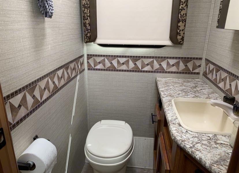 Bathroom. Jayco Redhawk 2017
