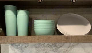 5 cups, bowls, plates  Plastic. GrandDesign imagine 2020