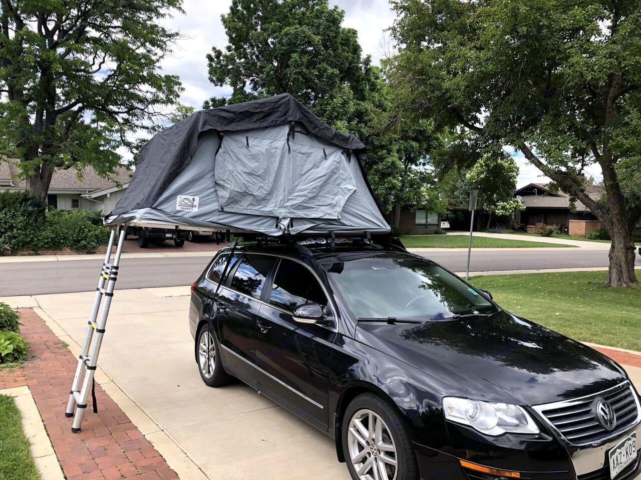 deployed rooftop camper. Volkswagen Passat 2008