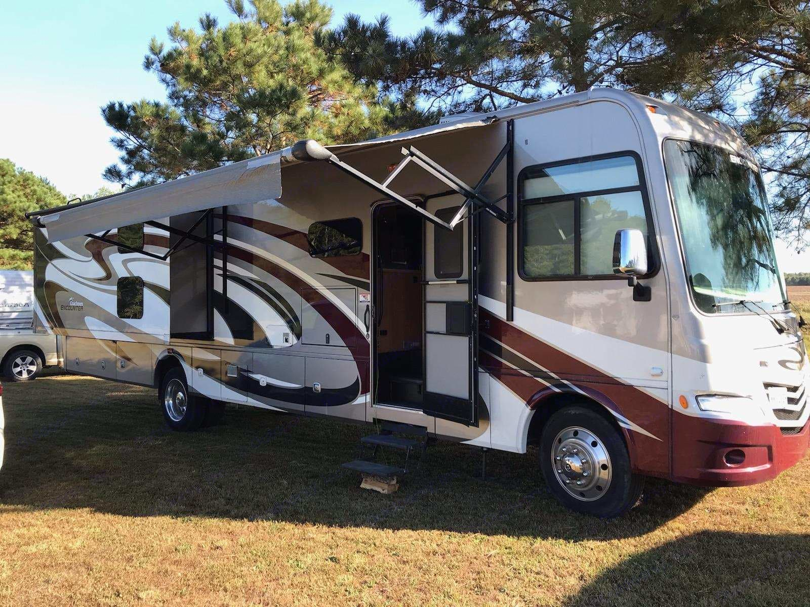 The Dream Machine is a home away from home specifically geared for responsible married couples (30+ yrs) and their children. It's The Dream Machine, not The Party Machine.. Coachmen Encounter 2015