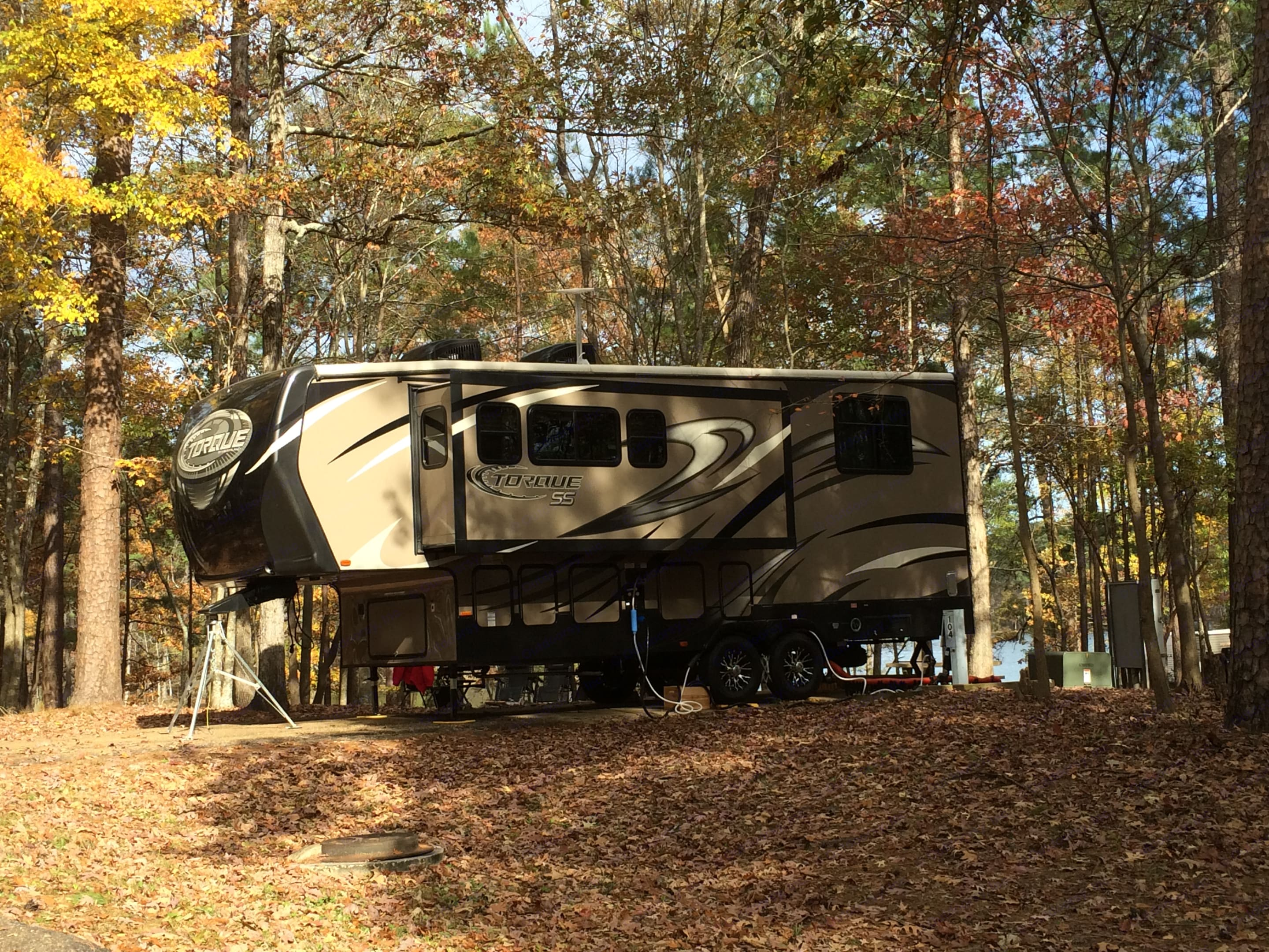 Perfect for the beautiful Ozark campgrounds!. Heartland Torque 270HG 2014