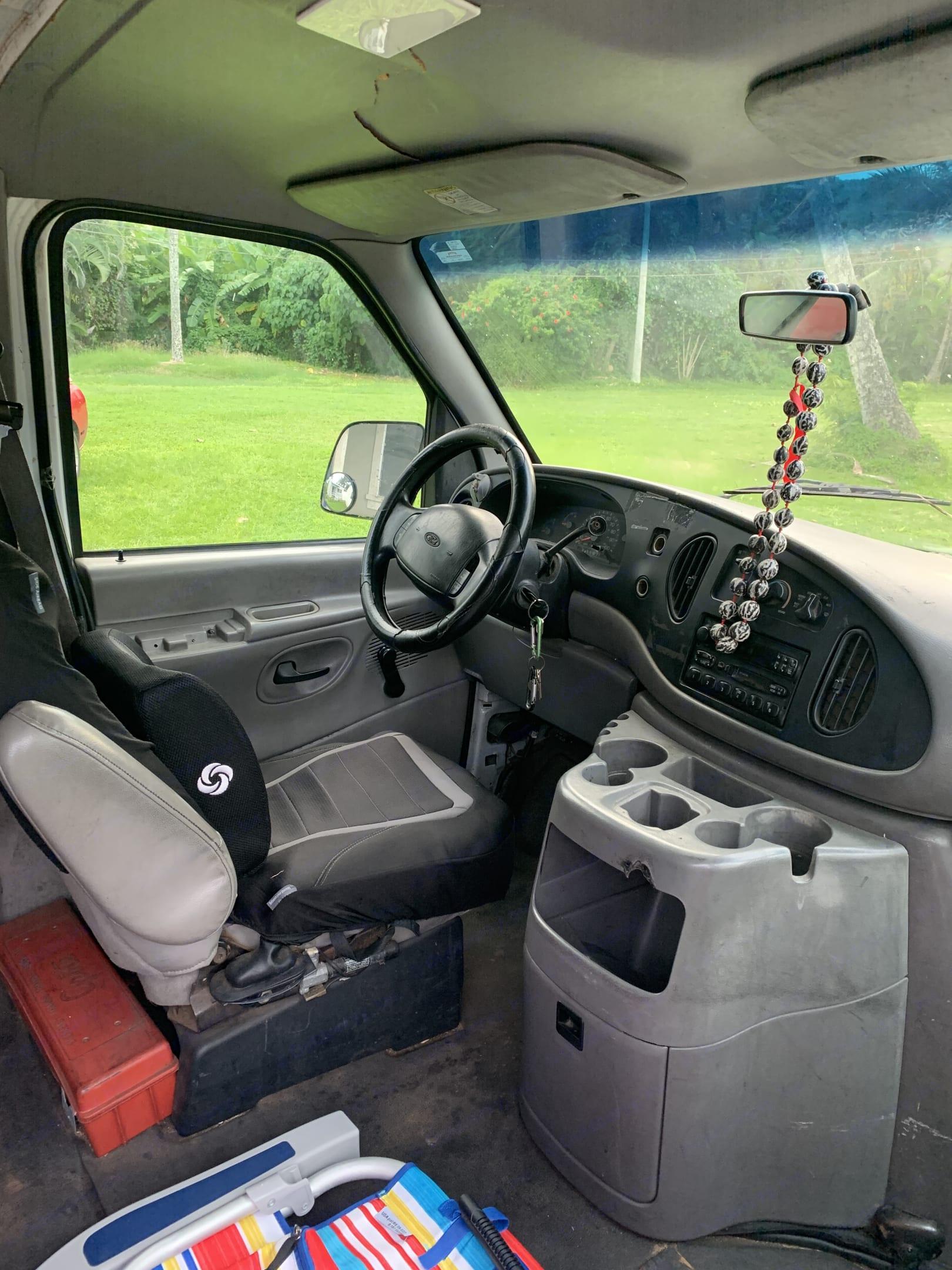 Ford E350 Box Van 2001