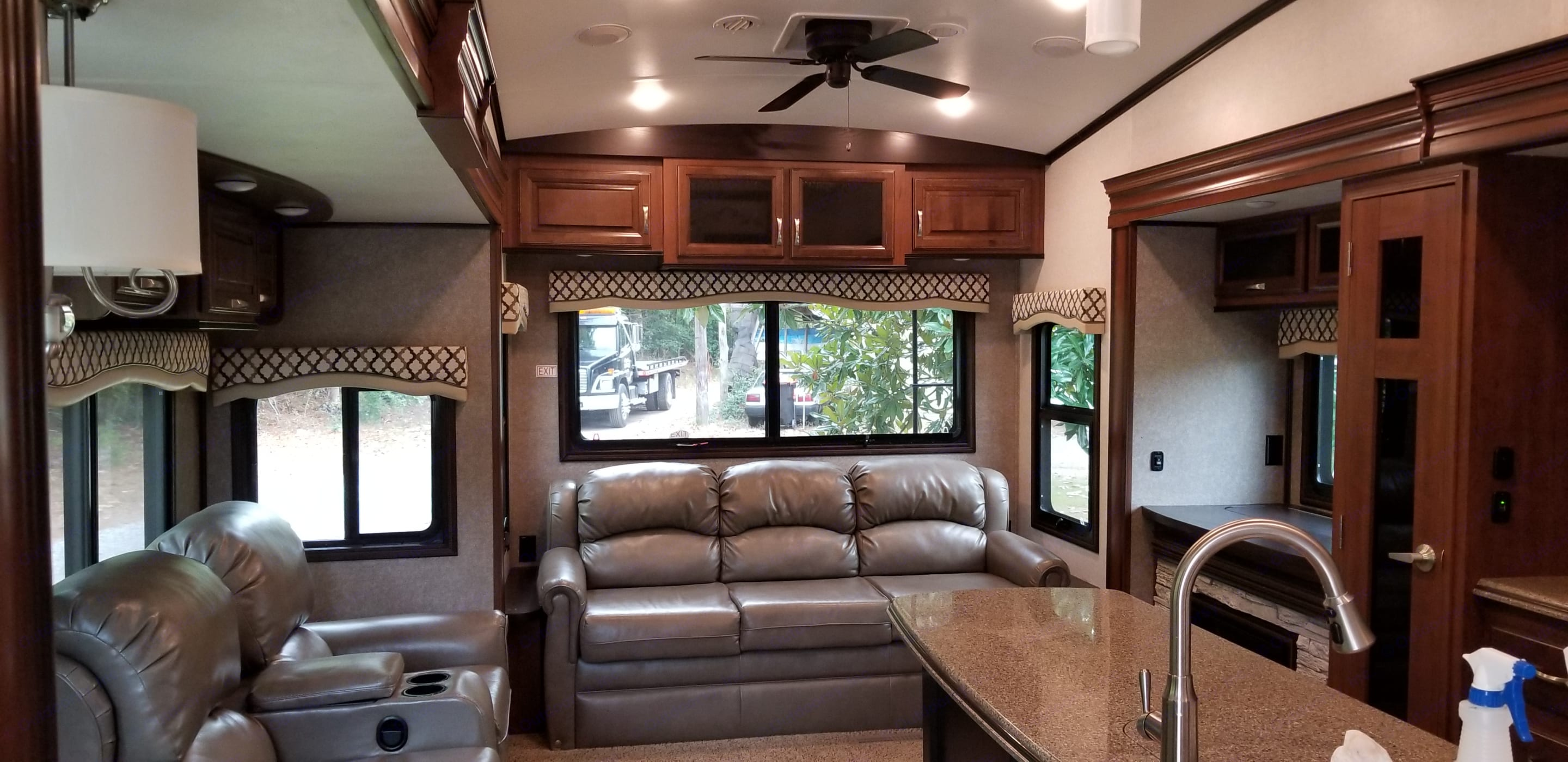 Rear Living. Jayco North Point 2017