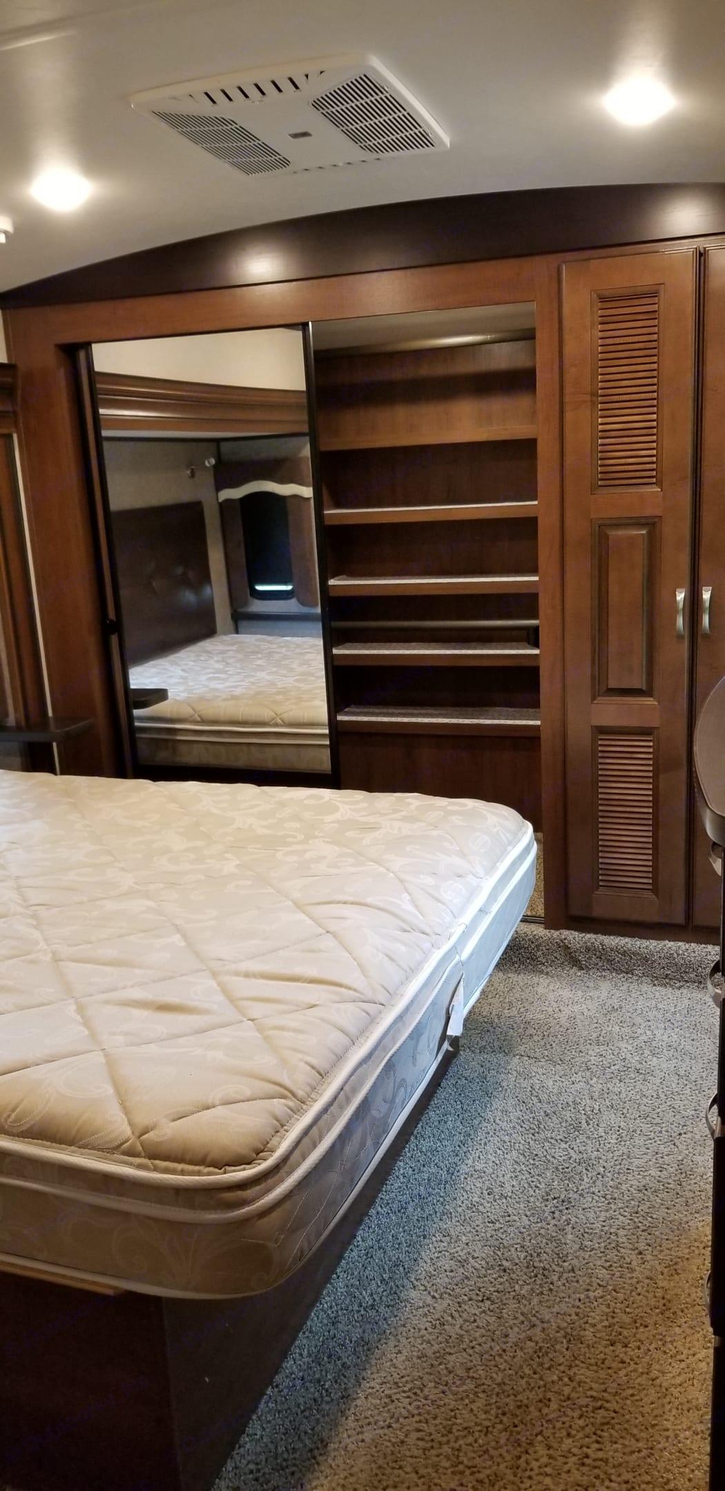 Master Bedroom. Jayco North Point 2017