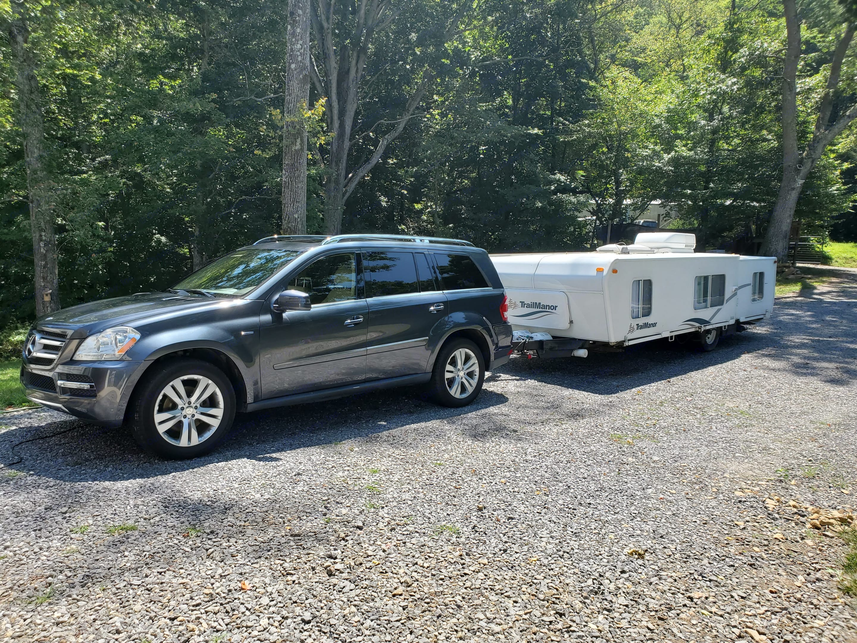 Low profile when collapsed for easier towing.  Delivery available up to 75 miles from Asheville, NC. . Trailmanor 3124ks 2006