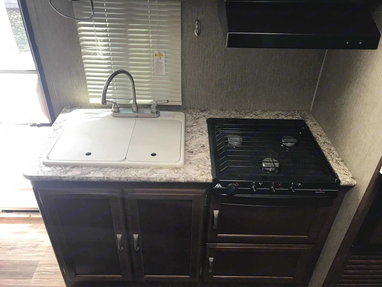 compact kitchen setup. Keystone Passport 2017