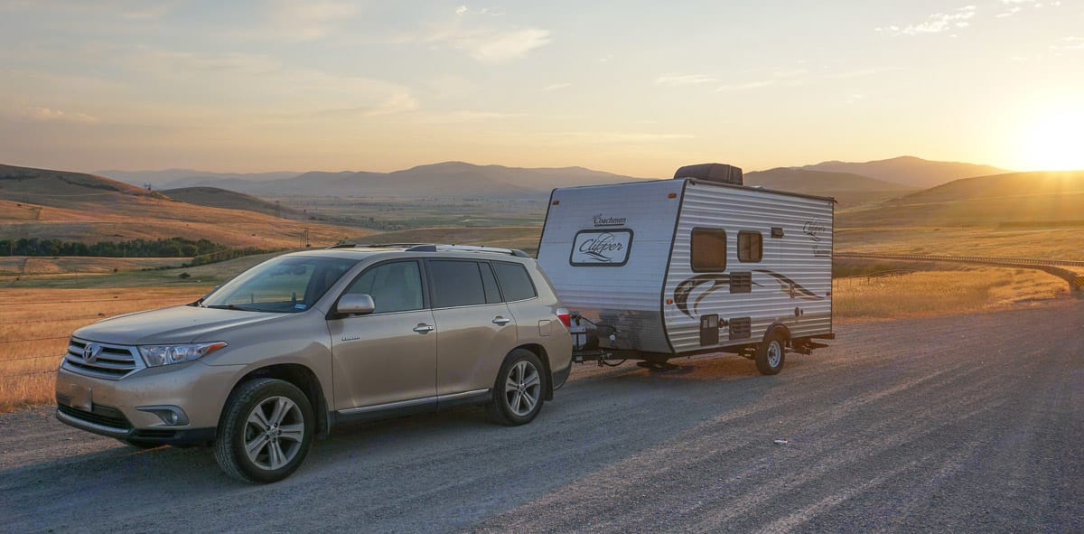 Teensy is easy to tow at only about 2,800 lbs. . Coachmen Clipper 2015