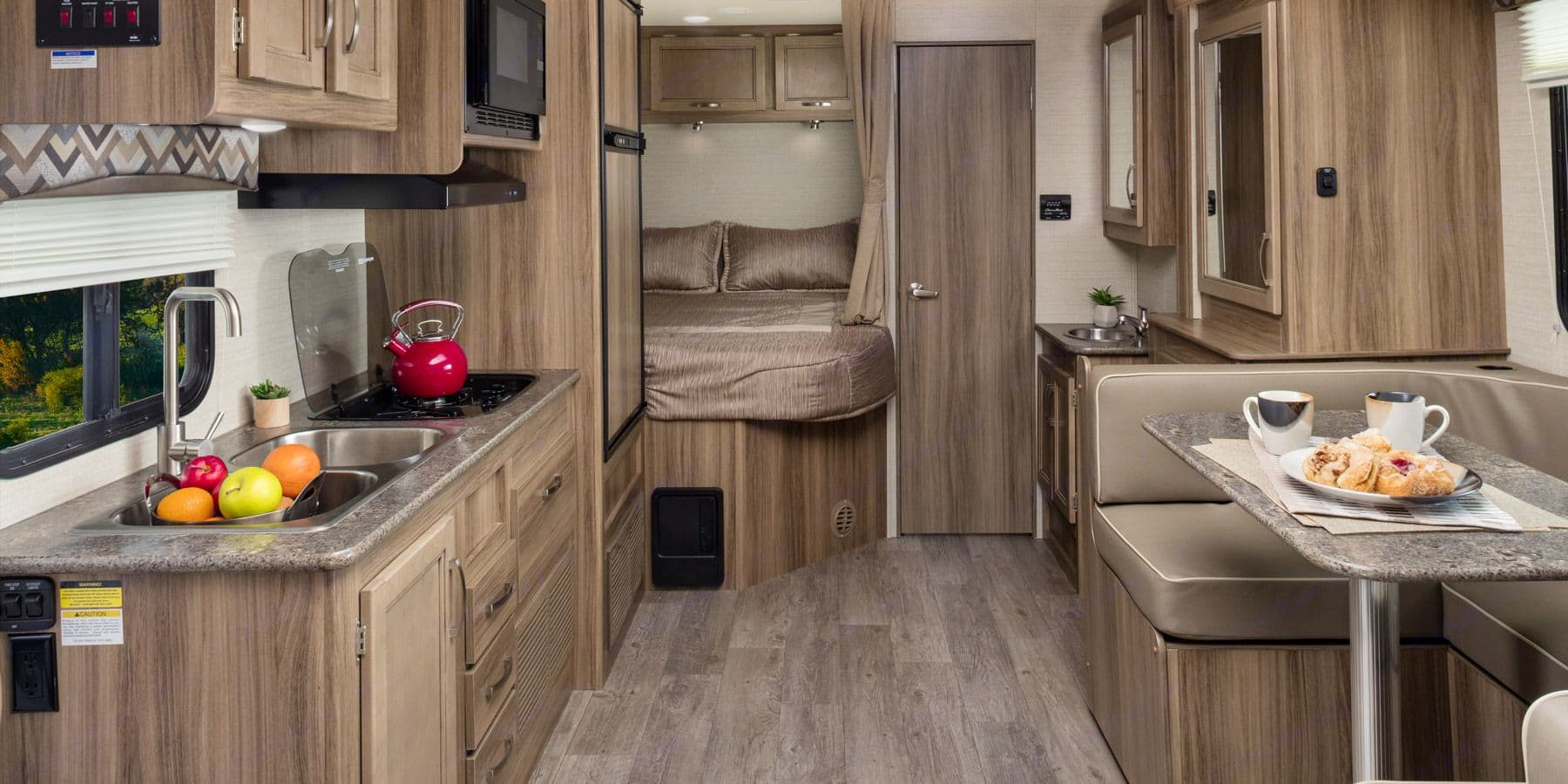 Kitchen, master bed and restroom.. Jayco Redhawk 2020