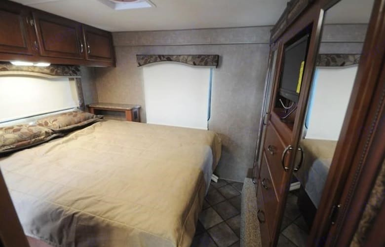 Bedroom1. Thor Motor Coach Four Winds 2014
